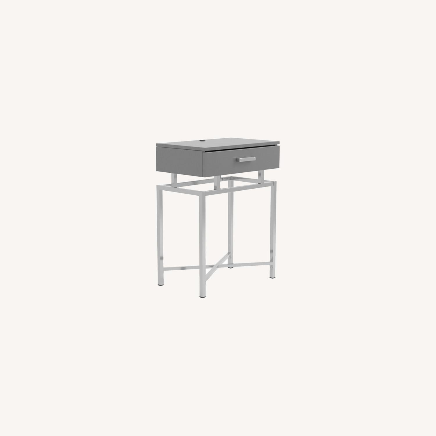 Accent Table In Grey High Gloss Finish - image-9