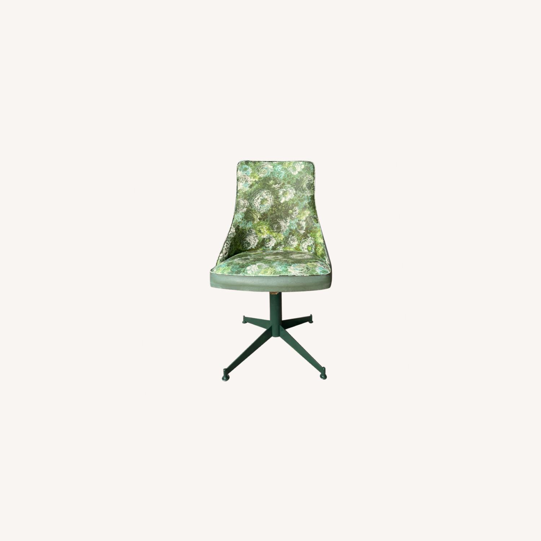Progressive Mid Century 1950s Swivel Chair - image-0