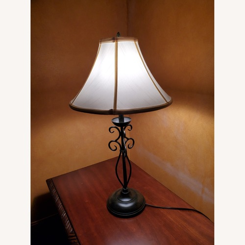 Used Table Lamps for sale on AptDeco