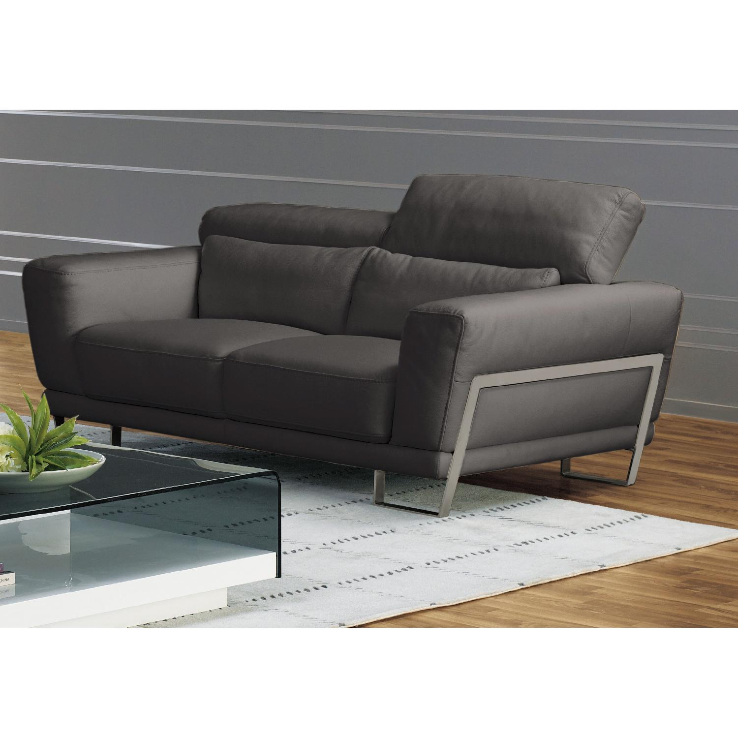 Leather Loveseat w/ Motion Back Feather Lumbar Boaster & Sta-0