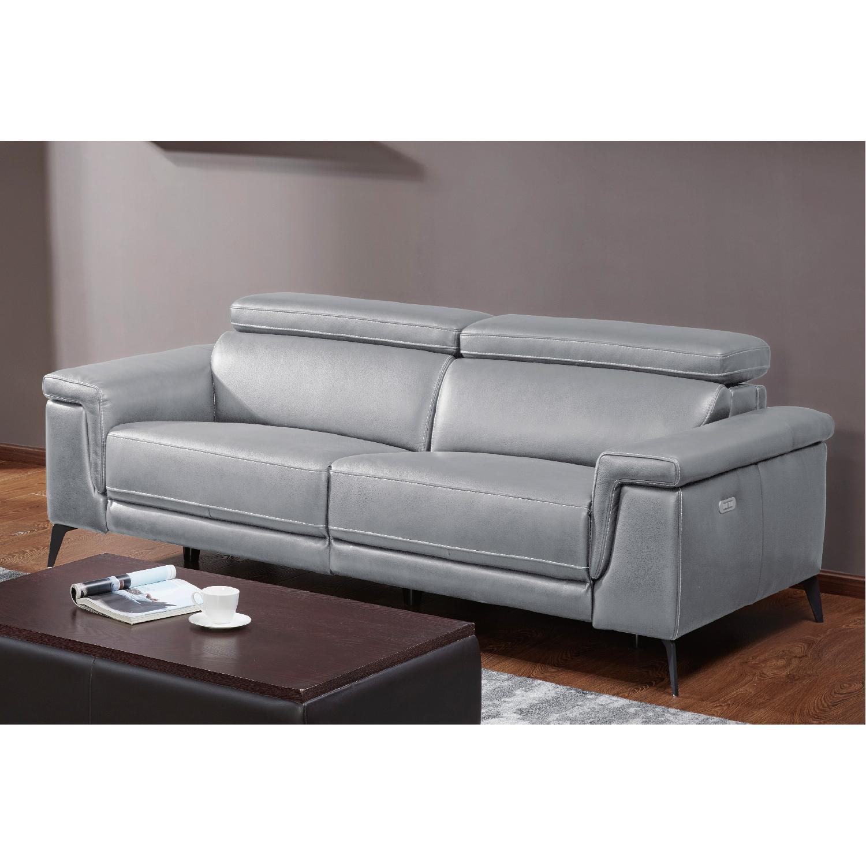 Wondrous Modern Sofa With Electric Recliner Adjustable Headrests In G Creativecarmelina Interior Chair Design Creativecarmelinacom