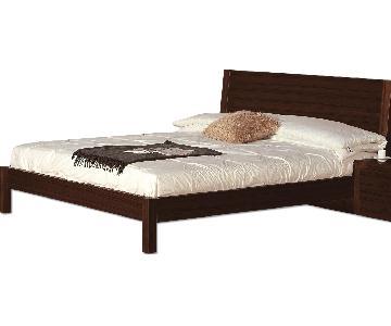Modern King Size Platform Bed in Wenge Finish w/ Lightly Sla