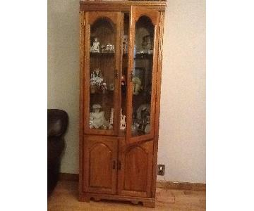 Broyhill Furniture Lighted Curio Cabinet