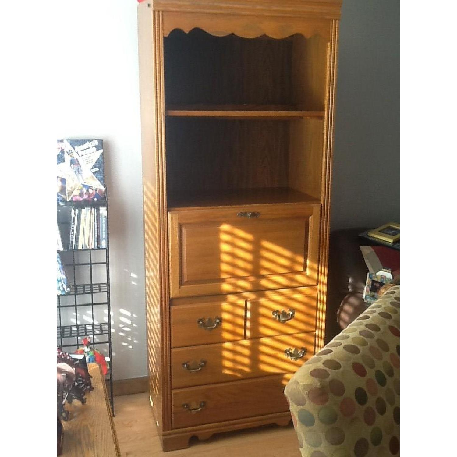 Broyhill Furniture Lighted Curio Cabinet Aptdeco