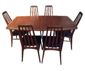 Hornslet Mid Century Danish Dining Table w/ 6 chairs