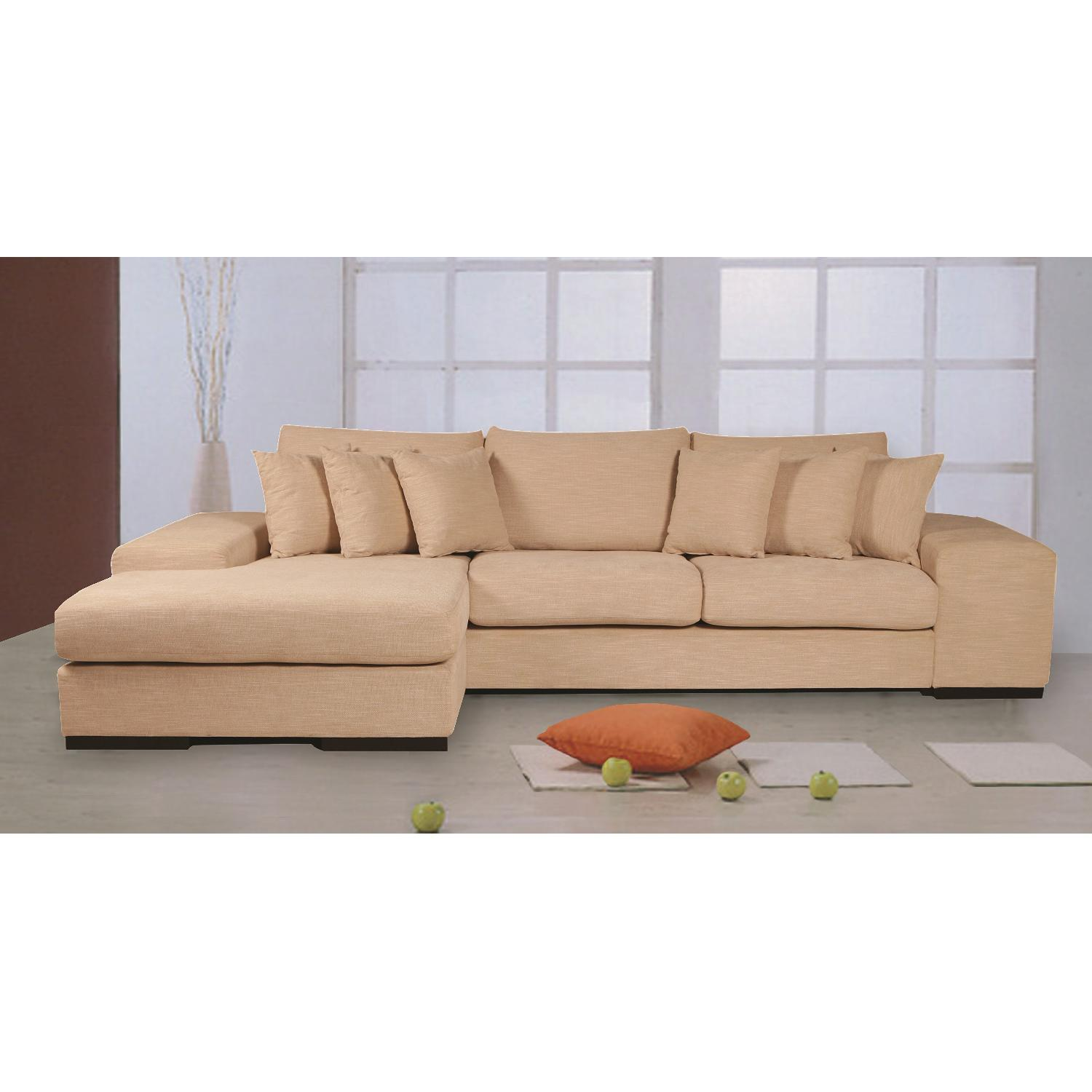 Contemporary Sectional Sofa w/ Reversible Chaise in Premium Wheat Woven  Fabric