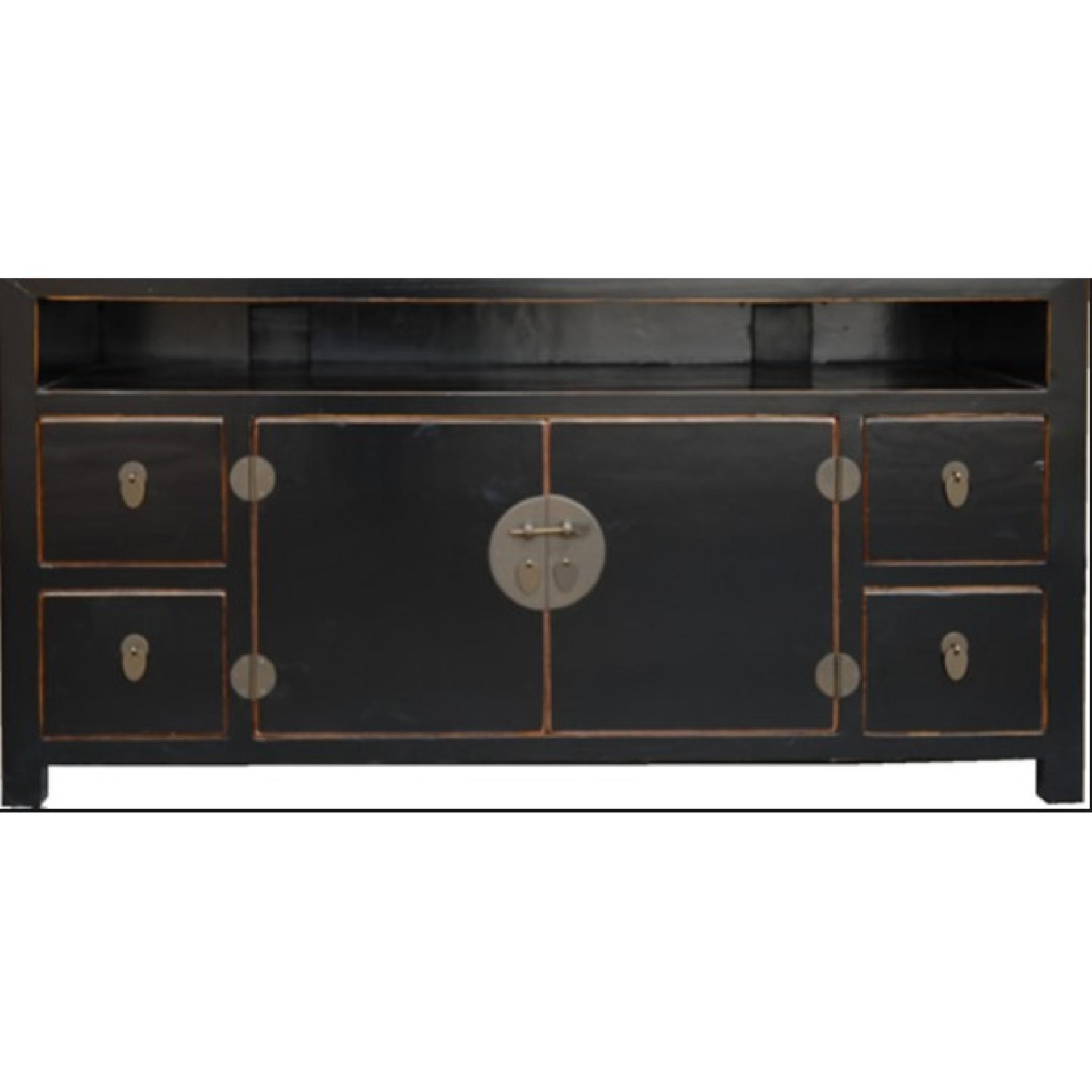 Teng Lacquered TV Stand