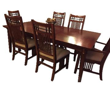 Broyhill Table w/ 6 Chairs
