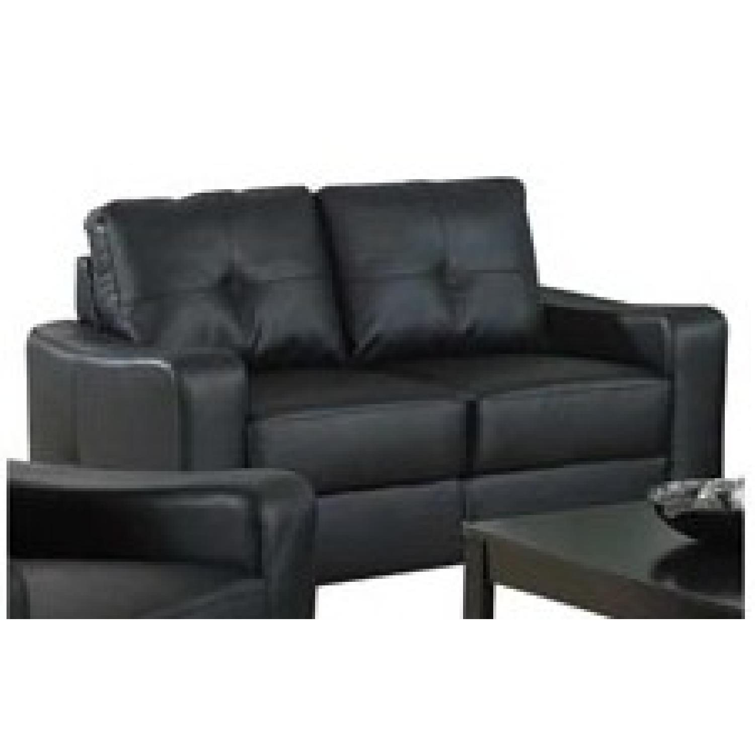 Curved Yellow Leather Sofa: Black Bonded Leather Loveseat W/ Curved Arms & Tufted