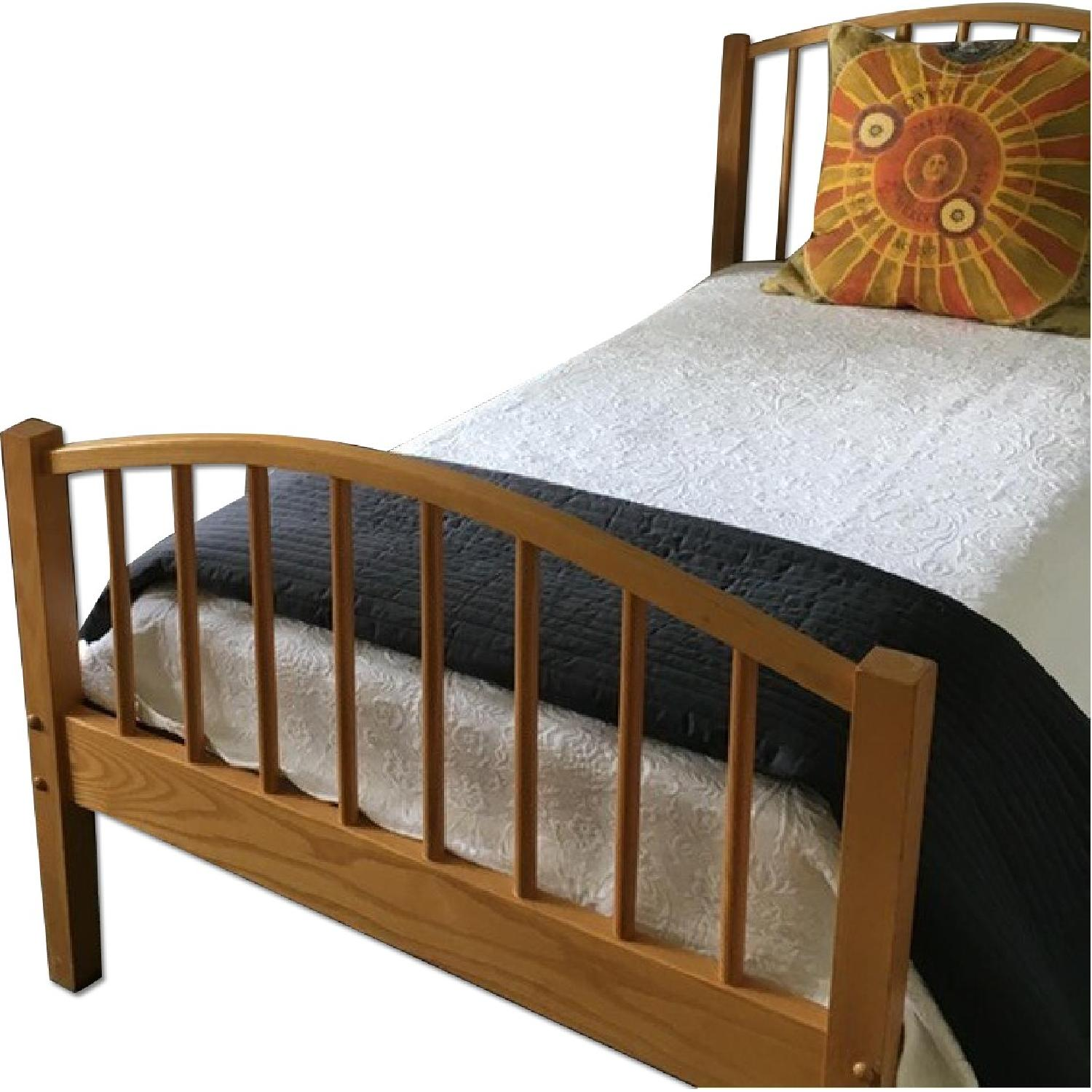 Picture of: Vermont Tubbs Stackable Seperate Twin Beds Aptdeco
