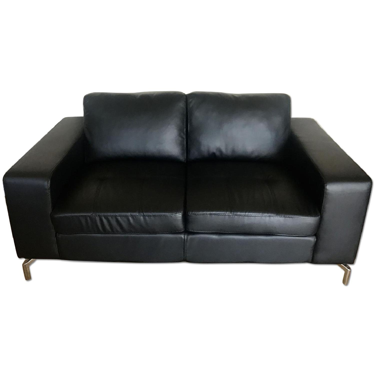 Picture of: Value City Furniture Black Bonded Leather Sofa Aptdeco