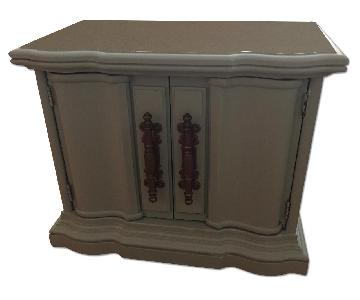 Restored Wooden Cabinets in Dusty Miller Color