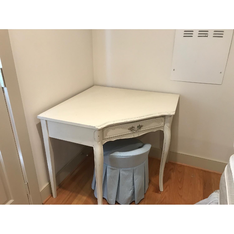 Corner Desk Vanity Aptdeco