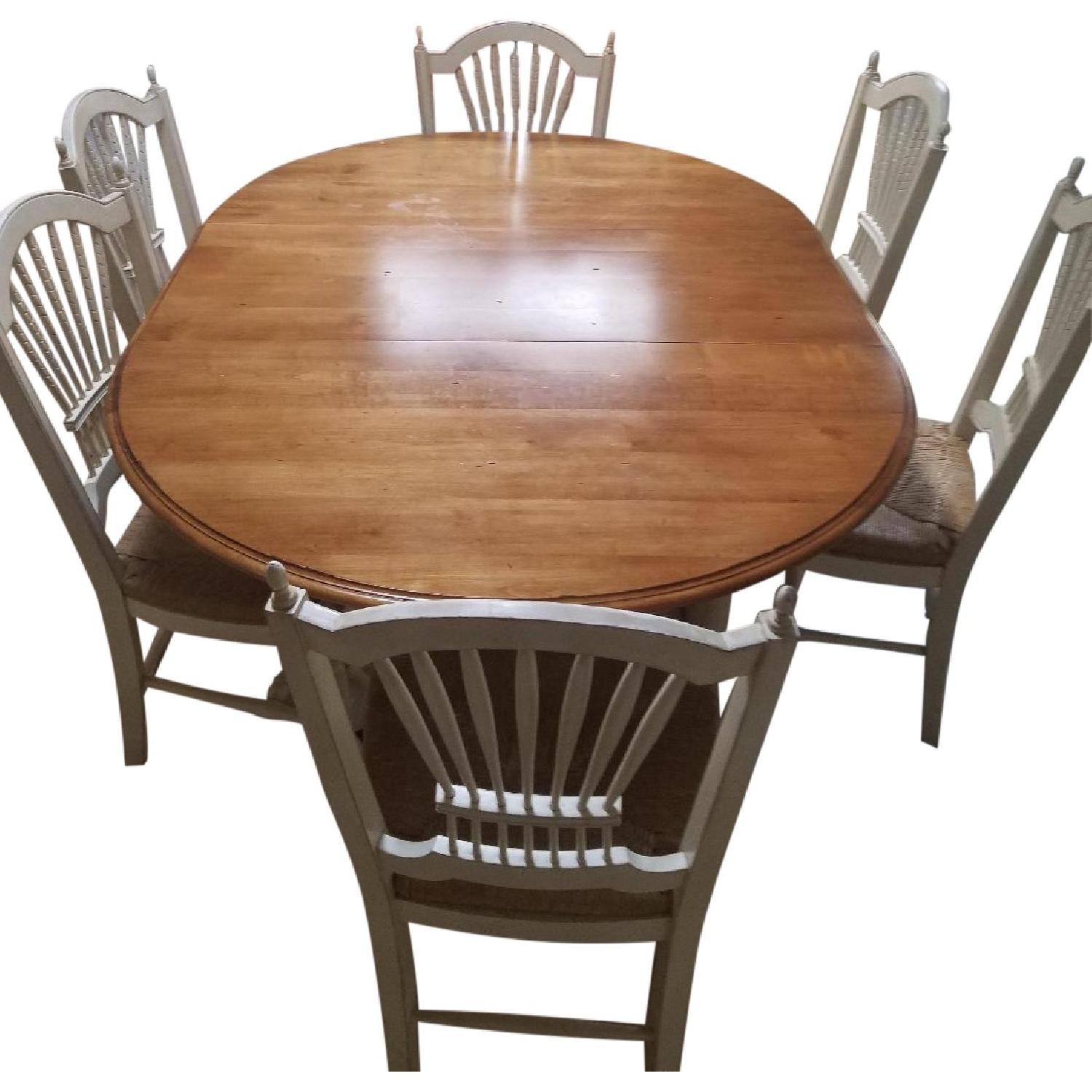 Ethan Allen Dining Room Table w 6 Chairs AptDeco