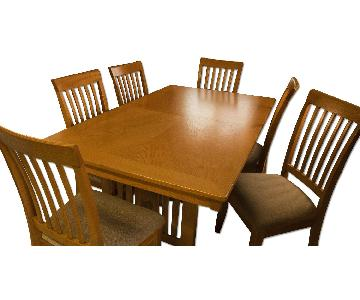 Dining Room Table w/ 6 Chairs