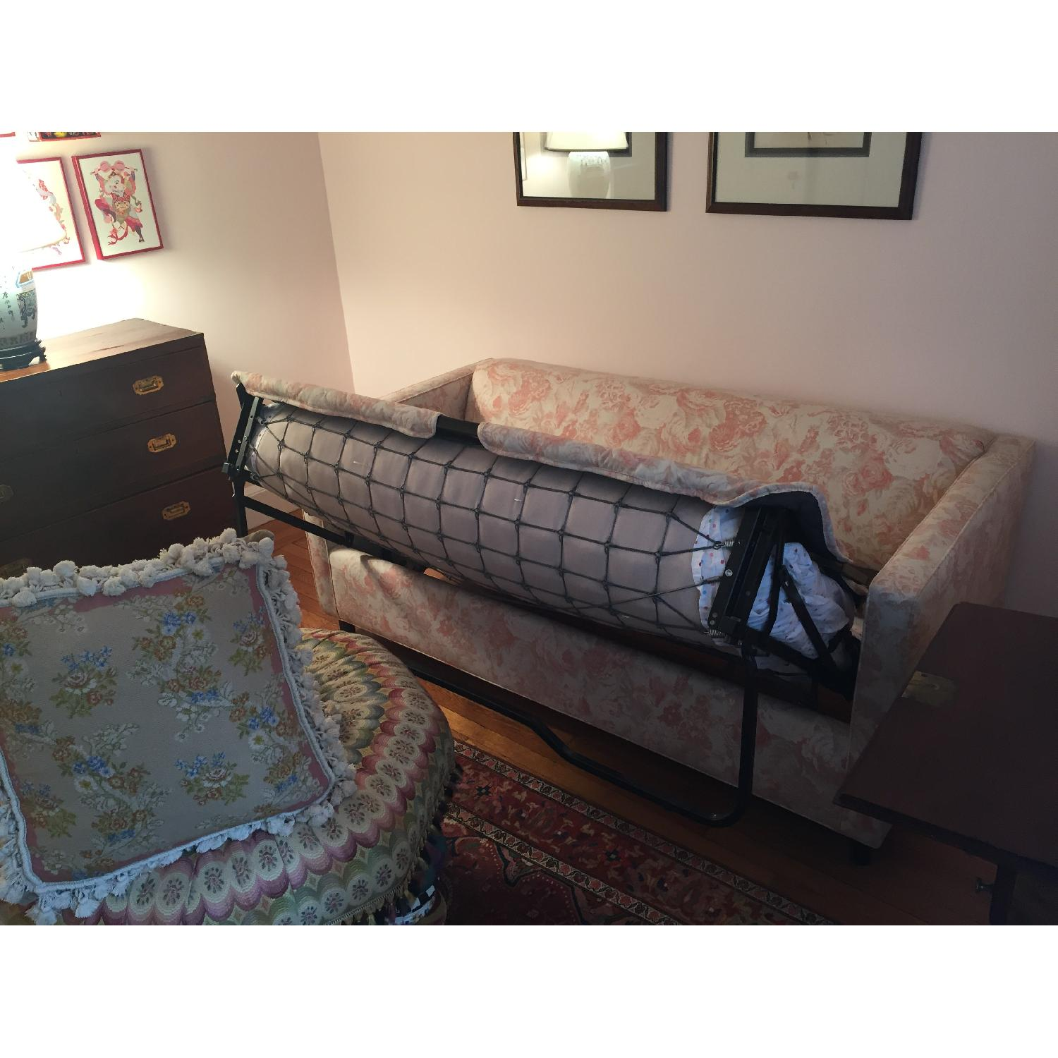 Picture of: Carlyle Full Size Pink White Sleeper Sofa Aptdeco