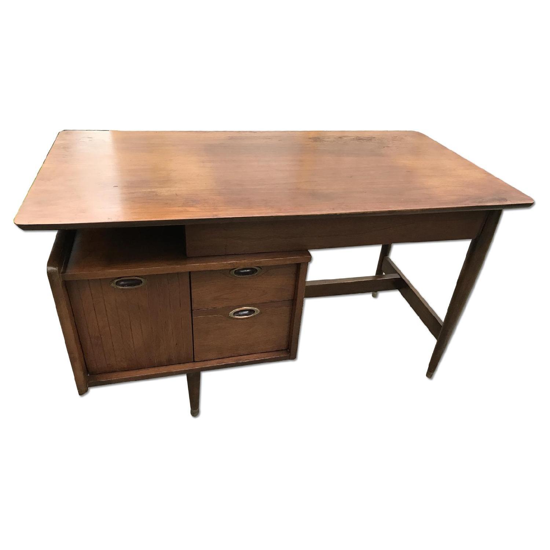 Image of: Hooker Furniture Mid Century Modern Floating Desk Aptdeco