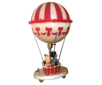 The Dolly Toy Co Red & White Hot Air Baloon Kitsch 3 Way Table Lamp